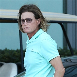 Bruce Jenner removing photos of himself as man from home-Image1