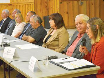 Tay candidates discuss amalgamation, water rates