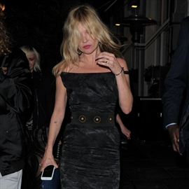 Kate Moss cancels Ibiza trip to be with family -Image1