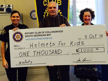 Collingwood Rotary Clubs support bike helmet program