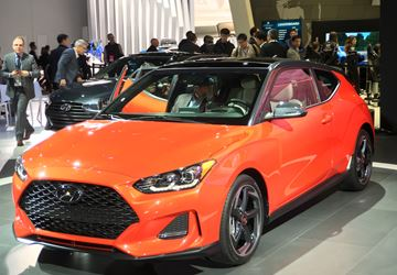 The 2019 Hyundai Veloster's stance is more muscular, with higher-volume fenders and wheel arches that are neatly filled with the standard 18-inch alloy wheels.