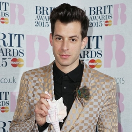 Mark Ronson hires luxury estate for 40th birthday bash-Image1