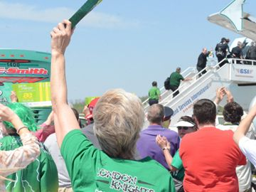 About 100 London Knights fans waved goodbye to the team Wednesday (May 15) as they stepped on an airplane to Saskatoon for the Memorial Cup.