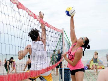 Not-So-Pro beach volleyball returns to Wasaga Beach
