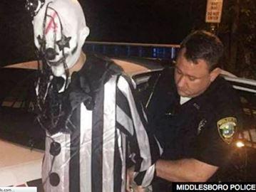 Creepy clown costume