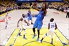 Curry dazzles again, Warriors even series with Thunder 1-1-Image13