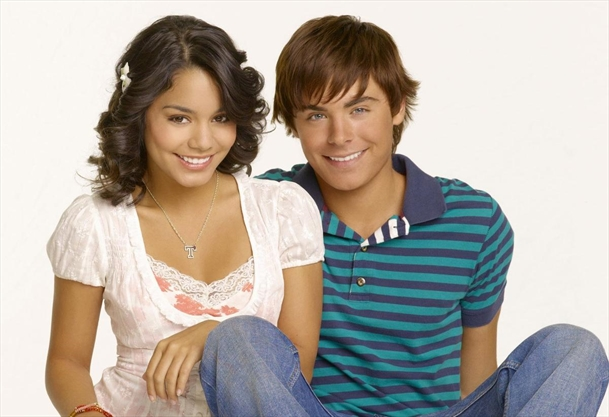 Vanessa Hudgens Opened Up About Dating And Fighting With ...