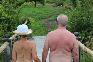 Naturists Dorothy and John at Freedom Fields ranch