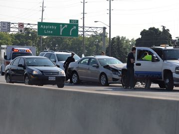 Multi-vehicle crash on EB QEW between Appleby Line and Burloak