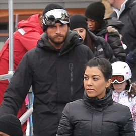 Kourtney Kardashian and Scott Disick determined to make relationship work-Image1