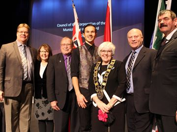 Mysterious resolution prompts rare closed Meaford council session
