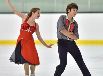 Skate Oakville holding Gala of Synchronized Skating Sunday