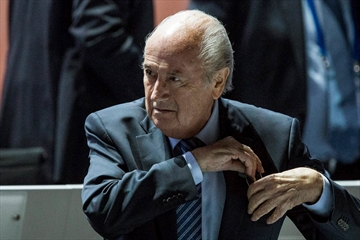 Blatter wins re-election despite FIFA corruption scandal-Image1
