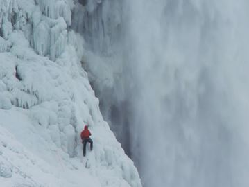 Canadian daredevil climbs up ice-covered Horseshoe Falls