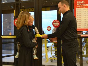 Owner of new Waterdown No Frills excited to get down to business