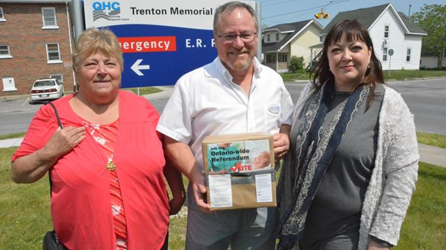 Ontario Health Coalition referendum supporters