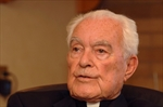 Hesburgh, former Notre Dame president, dies at 97-Image1