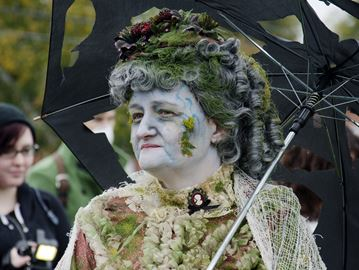 Among the zombie walk participants was Jennifer Snyder, looking dead-bonair,