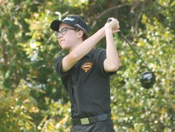 Khaw leads Longhorns to victory