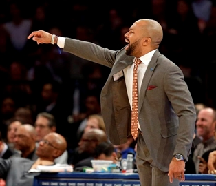 Knicks fire coach Derek Fisher; Rambis interim head coach-Image1