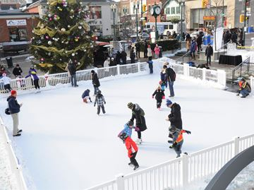 Towne Square skating rink opening for a second season