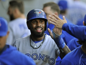 Doubront, Donaldson lead Blue Jays to 2-1 win over White Sox-Image1