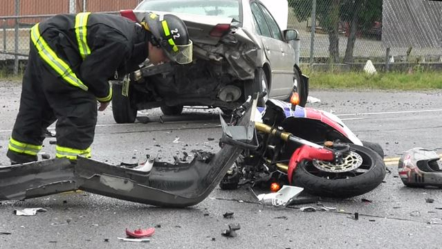 Lakefield Road accident - Aug. 1, 2014