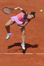Serena Williams eases into French Open semifinals-Image1