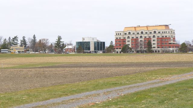 Ottawa Hospital seeks alternate Civic sites
