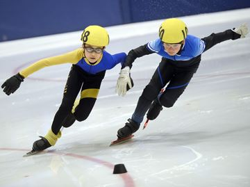 Oakville speed skaters medal at provincial, regional meets