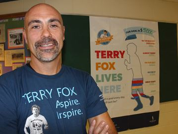 Stayner Collegiate teacher running marathon in Terry Fox's memory