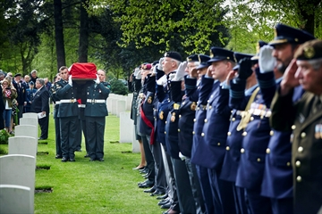 Canadian gets burial 70 years after war death-Image1