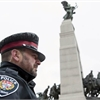 Police begin guarding National War Memorial sentries