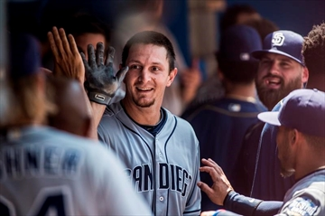 Padres use long ball to beat Blue Jays-Image1