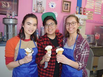 Lois 'n Frimas ice cream parlour now open