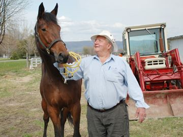 West Carleton's Roly Armitage to open valley farm show