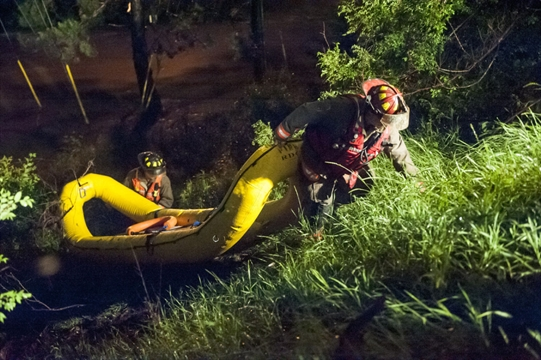 Dvp Closure Gallery: DVP Floods, Kayakers Rescued After Torrential Rainfall