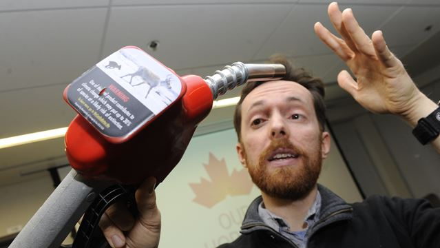 Advocating climate change warning labels at gas pumps in Oakville and beyond