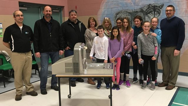 School receives water refilling station