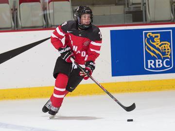 Oakville's Agnew, Cece commit to NCAA women's hockey powerhouses