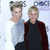 Ellen DeGeneres dislocates finger in wine-related accident-Image1