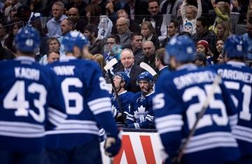 Maple Leafs coach get his mumps shot-Image1