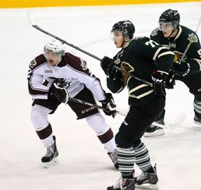 The Petes couldn't keep its three-game winning streak intact as the London Knights marched off with a 4-2 victory Saturday (Nov. 30) at the Peterborough Memorial Centre.