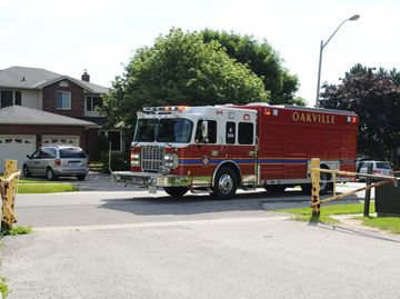Halton police looking for woman following suspicious Oakville fire