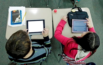 How much is too much? The debate over screen time for kids-Image1