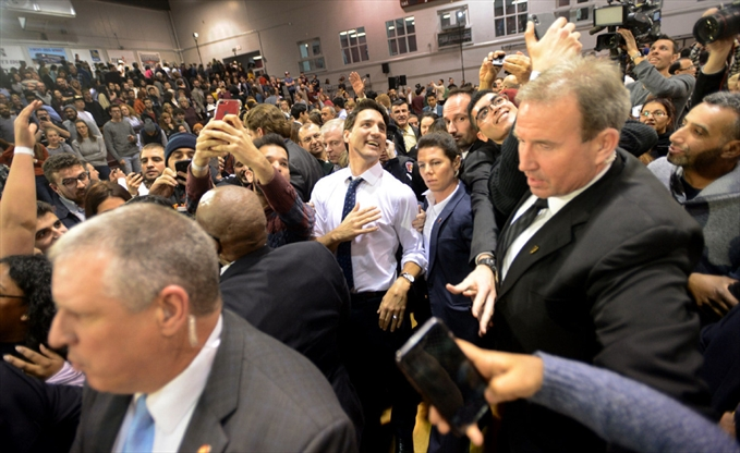 Trudeau hits softballs, hecklers, out of the park at Mac ...
