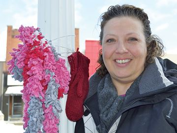 Spreading warmth one free scarf at a time in Midland