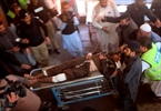 Suicide bombers kill 6 outside court in northwest Pakistan-Image4