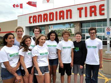 Aquatic club giving back