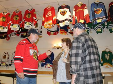 Jersey museum a hit with Meaford hockey fans